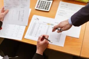 7 Reasons Why Successful Businesses Hire Bookkeepers and Accountants 2